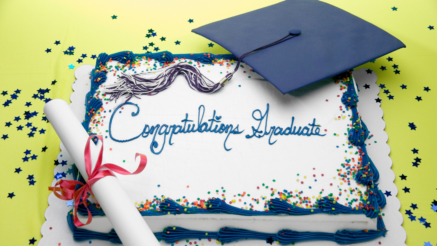 a sheet cake with congratulations graduate writing