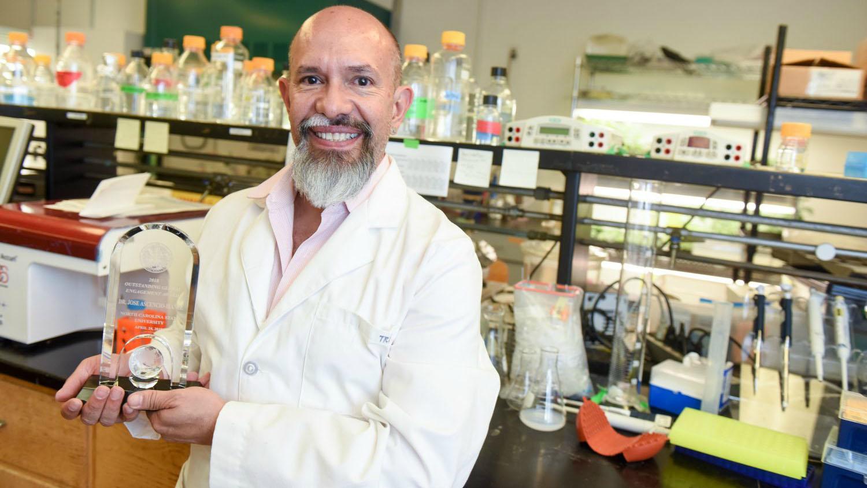 Trino in his lab.