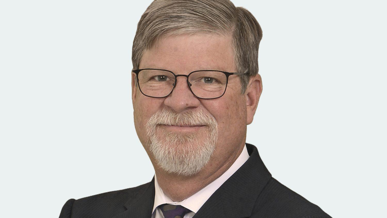 Studio portrait of Steve Lommel