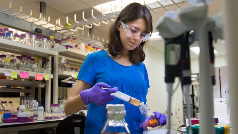 Biochemistry Ph.D. student Gabriela Schroder works at Oak Ridge National Laboratory.