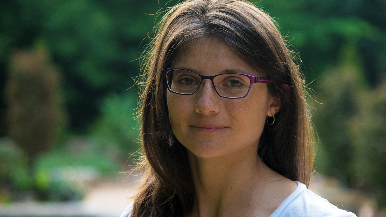 Outdoor head-and-shoulders image of Laura Villegas