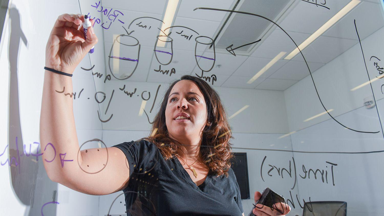 CALS student researcher Maura Cuebas