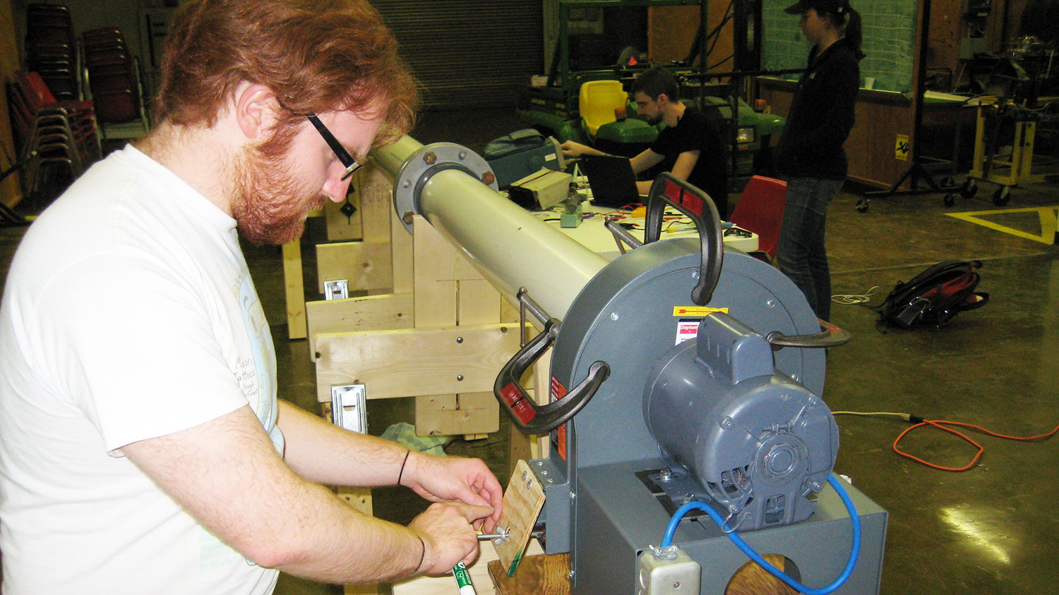 NCState Senior Design student working in Weaver Labs.