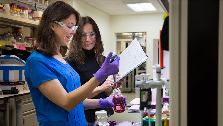 Schroder and her faculty mentor Dr. Flora Meilleur at Oak Ridge National Laboratory. Biochemistry Ph.D. student Gabriela Schroder works at Oak Ridge National Laboratory.